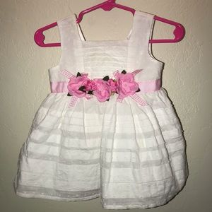 Baby girls White dress with pink flowers size 6/9